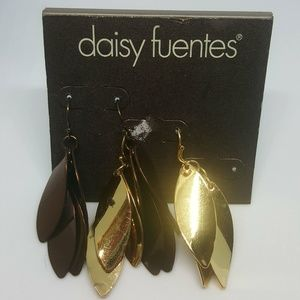 3/10 Daisy Fuentes Dangle Earrings Gold and Brown